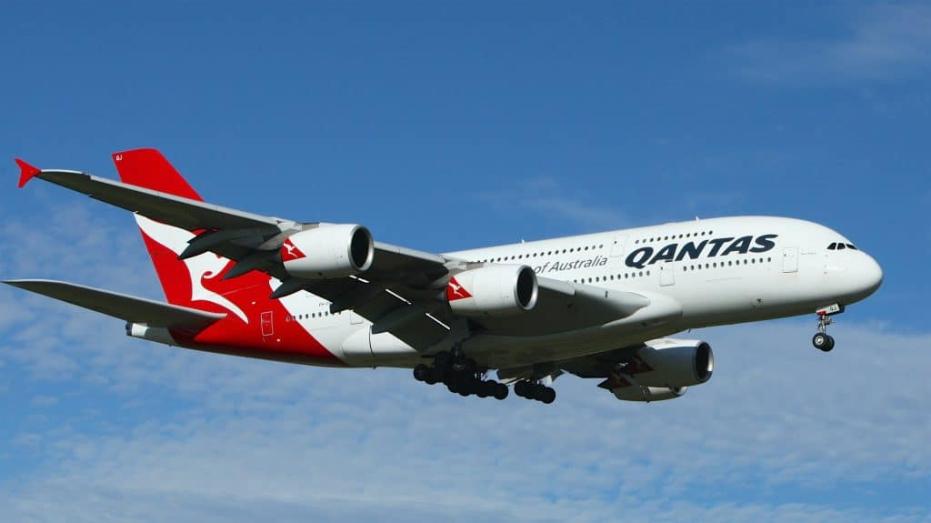 Qantas CEO Insists That If We Want To Fly Abroad, We're Gonna Have To Be Vaccinated