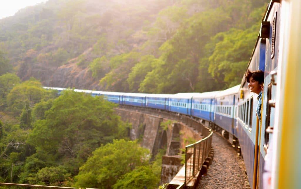 Die Europäische Union bietet jungen Menschen kostenlose Zugfahrkarten an!