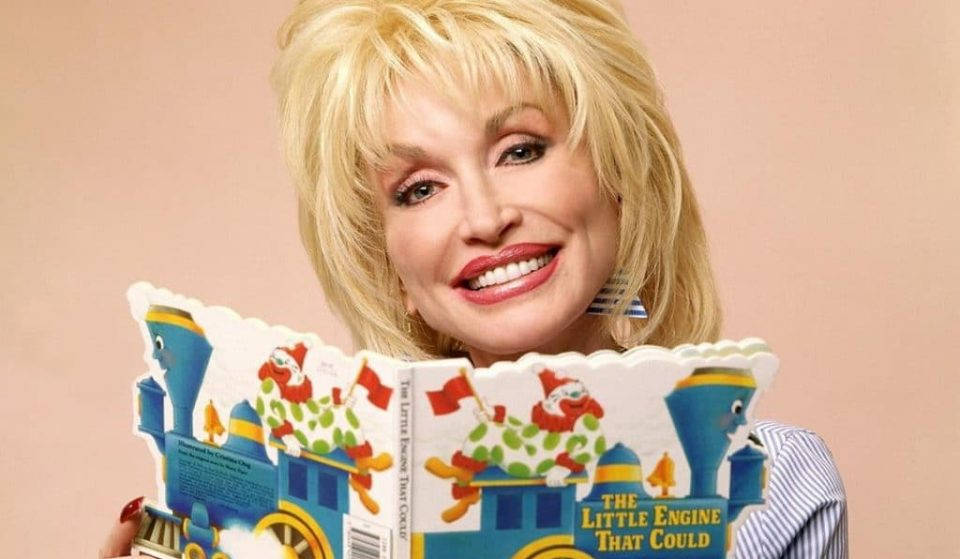 Dolly Parton Will Read Bedtime Stories To Help Send You Off To Sleep