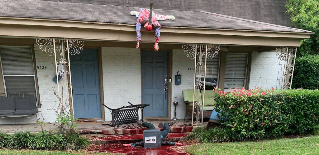 Hyperreal Halloween Yard Display In Dallas Summons Multiple Police Visits