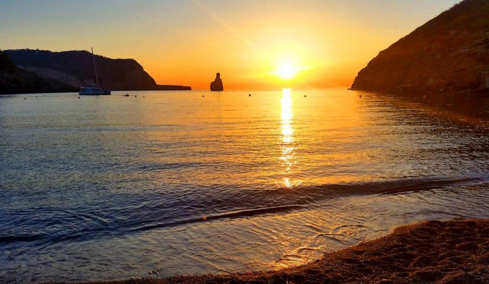 Cala Benirrás: a true Ibizan paradise
