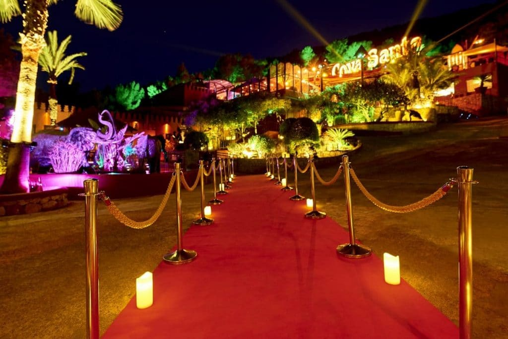 Magic, music and gastronomy come together under the stars at Cova Santa