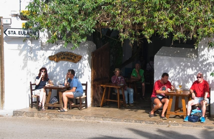 Can n'Anneta, Bar Anita or just Sant Carles' bar