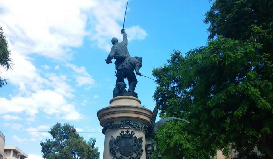 What you might not know about the monument of Vara de Rey