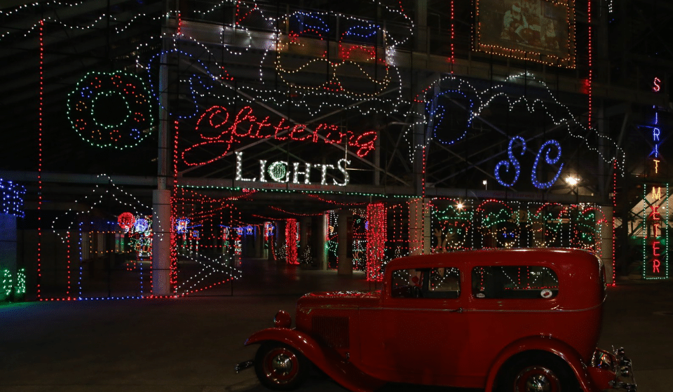 Drive Through Millions Of Twinkling Lights In One Of The World's Most Spectacular Holiday Light Displays