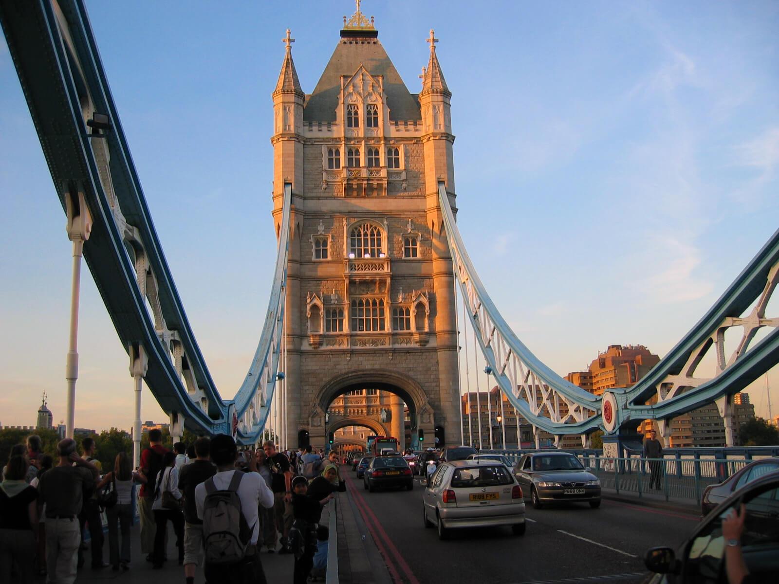 tower-bridge-closure-2