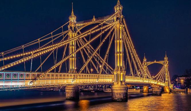 Light Up! London's Major Bridges Set To Become A Permanent Art Installation