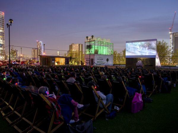 rooftop-cinema-film-london-stratford