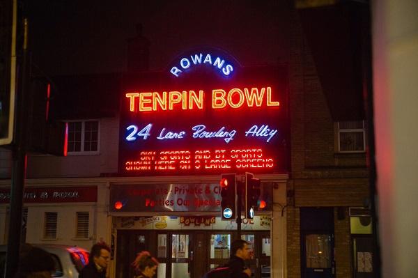 bowling-london-entertainment-fun