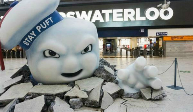 Marshmallow Man From Ghostbusters Smashes Into Waterloo