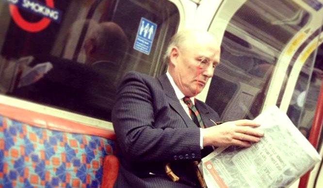 14 Ways To Ride The London Tube Like An Absolute Boss