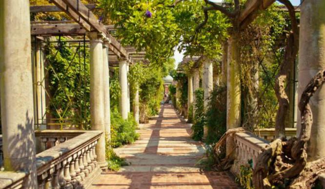 5 Secret London Gardens So Hidden You *Could* Sunbathe Naked