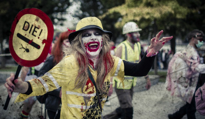 Hundreds Of Zombies Partied Their Way Around London This Weekend!
