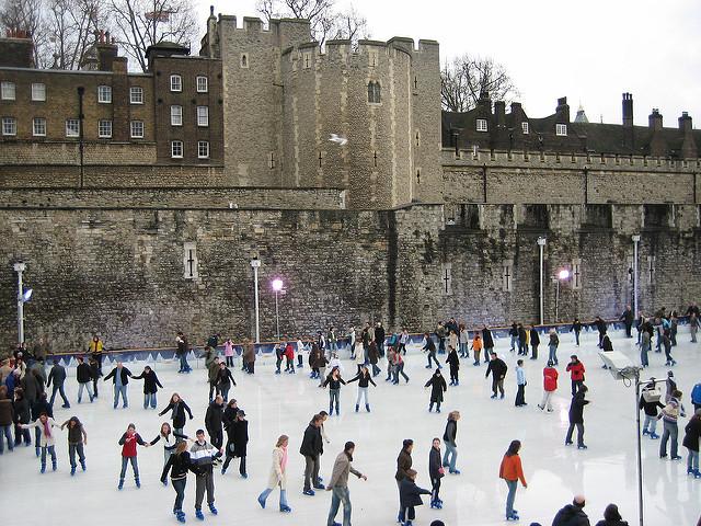 tower-london-ice-rink-winter-skating