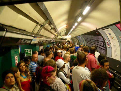 tube-peak-rush-hour-london