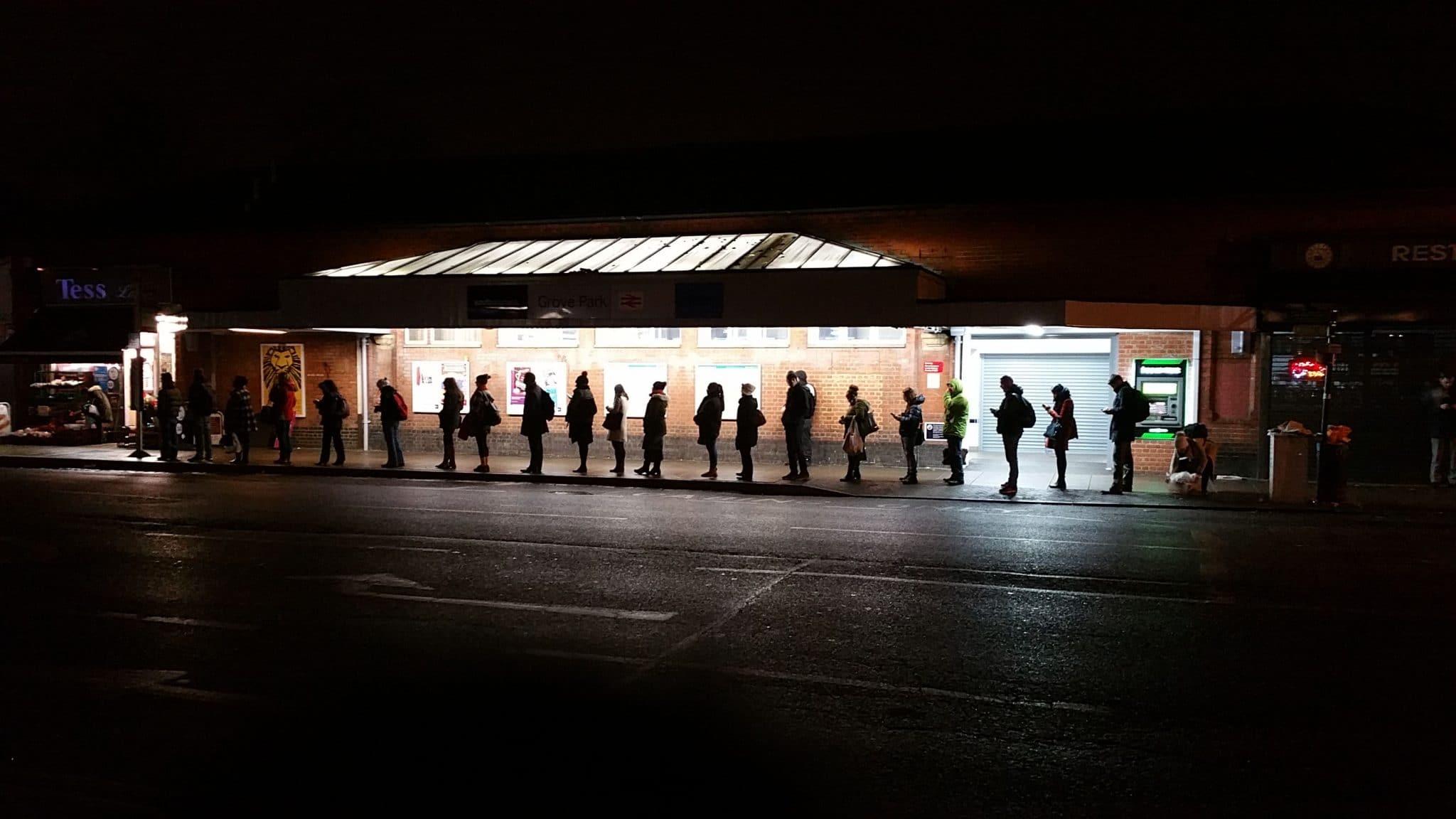 british-queue-london