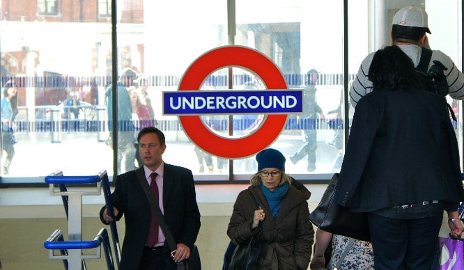 18 Thoughts Every Londoner Has On Their Morning Commute