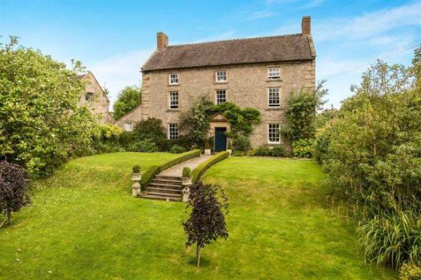farm-house-stoke-on-trent