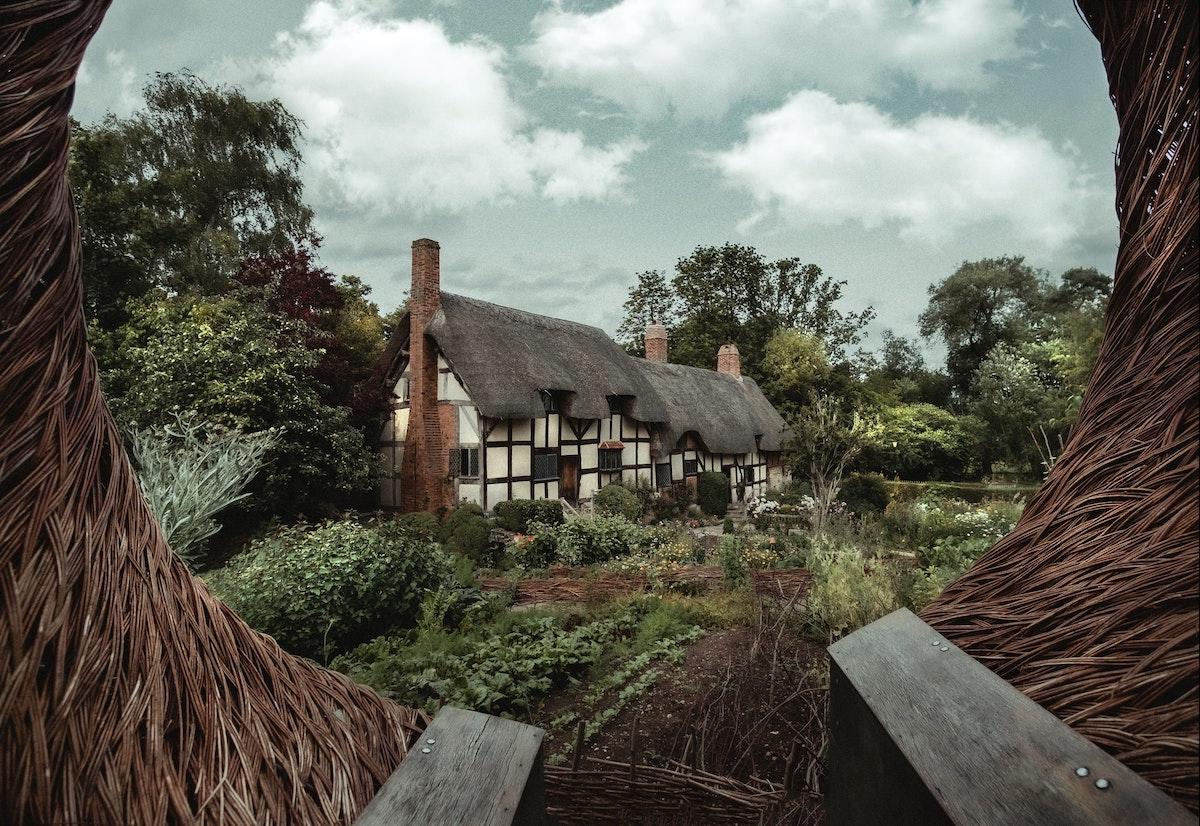 stratford-upon-avon-anne-hathaway-house