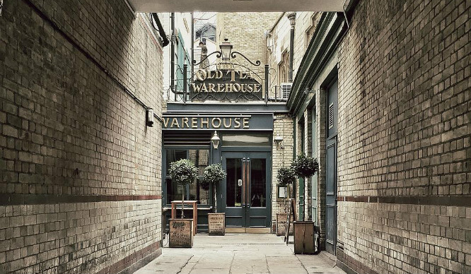 7 London Pubs That Are Bursting With Character