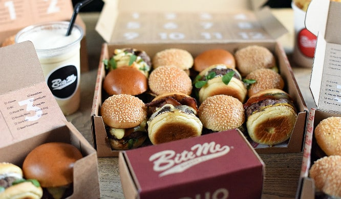 This Pop-Up Restaurant Is Serving Mini Burgers And They're Even Cuter Than You Can Imagine