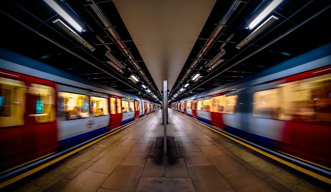 You'll Soon Be Able To Use Your Mobile Phones On The Tube