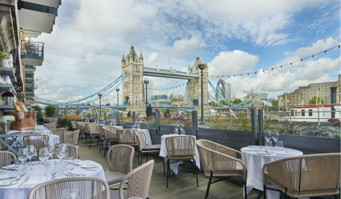 6 Beautiful Waterside Restaurants That Will Give Even Londoners Holiday Vibes