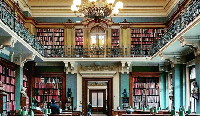 9 Of London's Most Beautiful Reading Spots