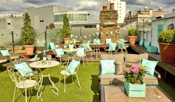 Eat Oysters And Sip Gin And Tonics At This Midsummer Rooftop Party