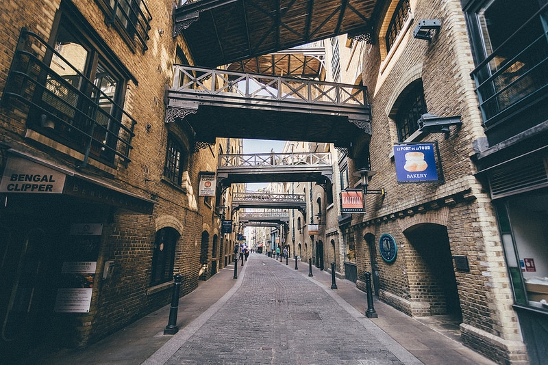 This Victorian Warehouse District Is One Of London's Most Photogenic Streets • Shad Thames
