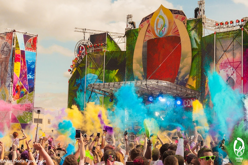 There's A Holi-Inspired Paint Party In London This July