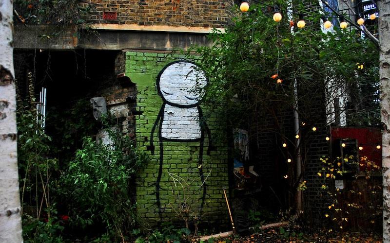 Dalston Stik stick figure mural