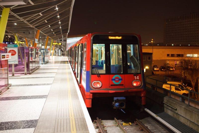stratford-dlr-station