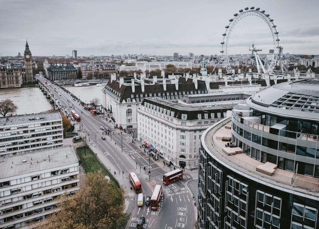 What You Thought London Life Would Be Like Vs. What It's Actually Like