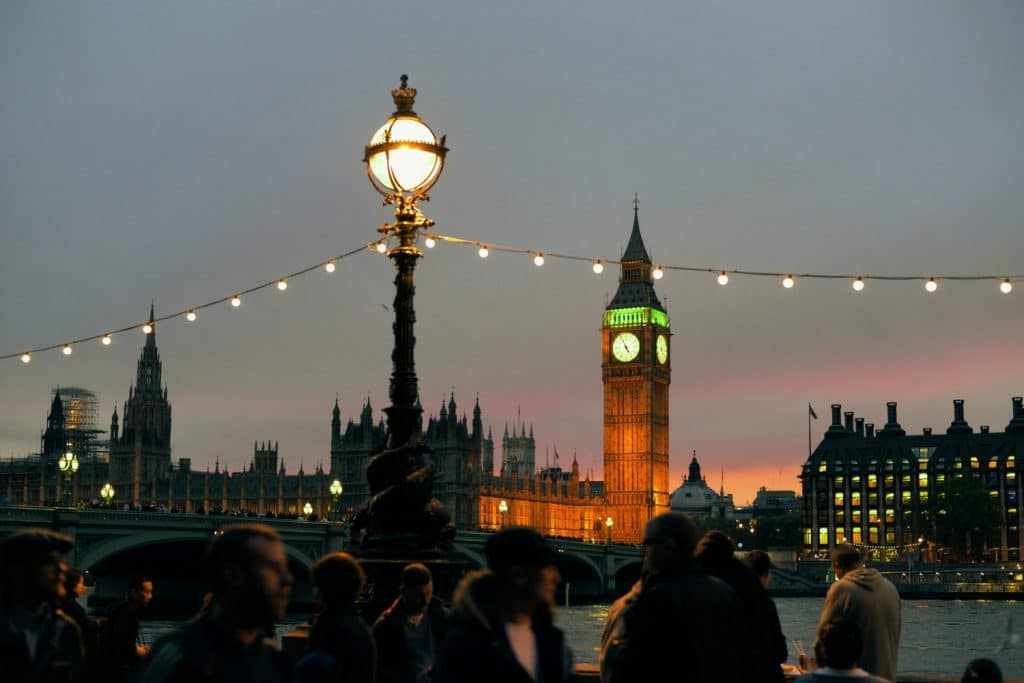 13 Awkward Moments Every Londoner Has Endured