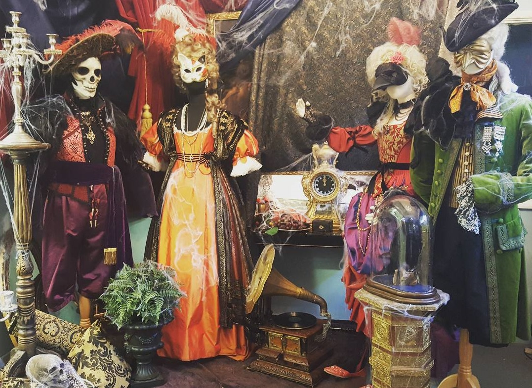 Halloween Costume Stores.Fancy Dress Shops In London 6 Amazing Costume Places To Try