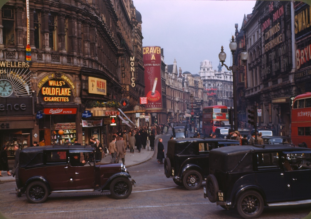 VIntage London Piccadilly Circus 1949