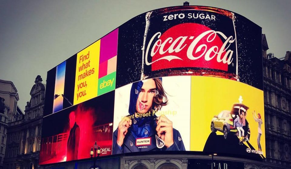 The Famous Piccadilly Billboards Are Back And Glowing