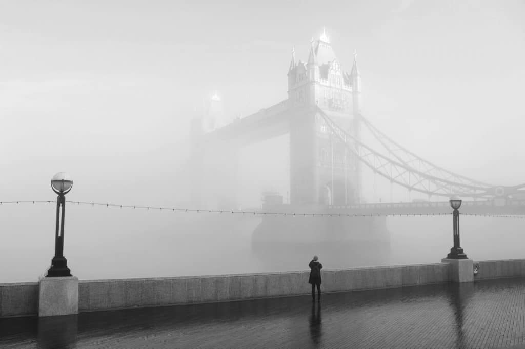 12 Mesmerising Photos Of London In The Fog That Will Leave You Mist-ified -  Secret London