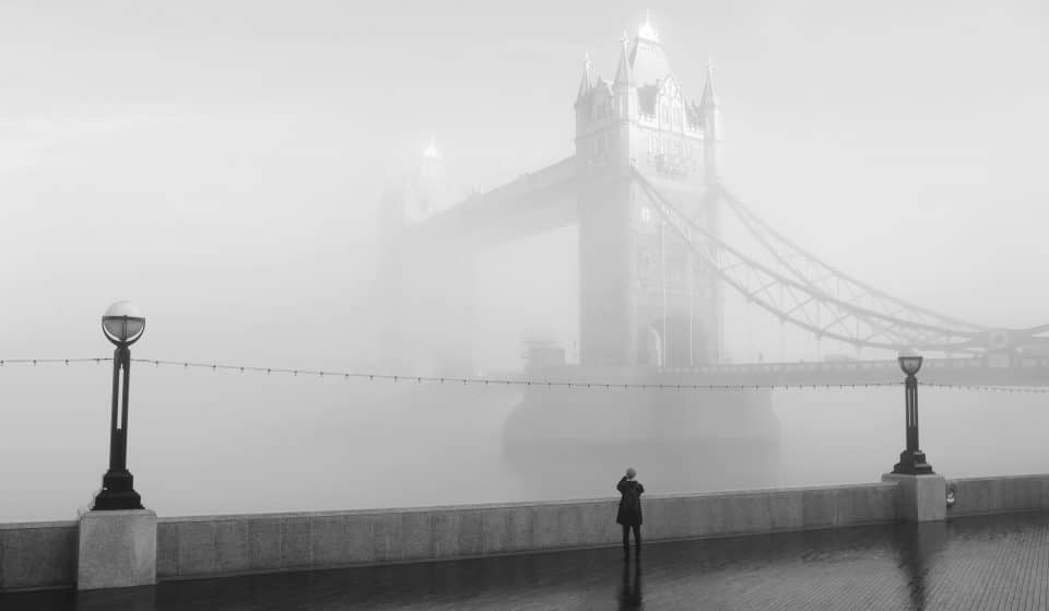 12 Mesmerising Photos Of London In The Fog That Will Leave You Mist-ified