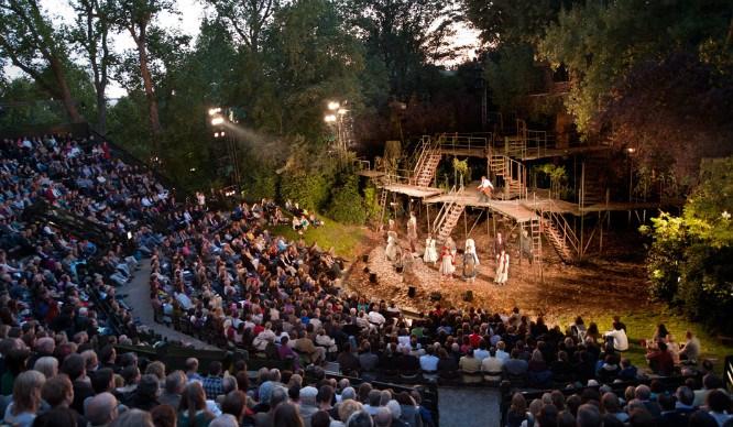 Regents-Park-Open-Air-Theatre.-Photo-by-David-Jensen_010910_032
