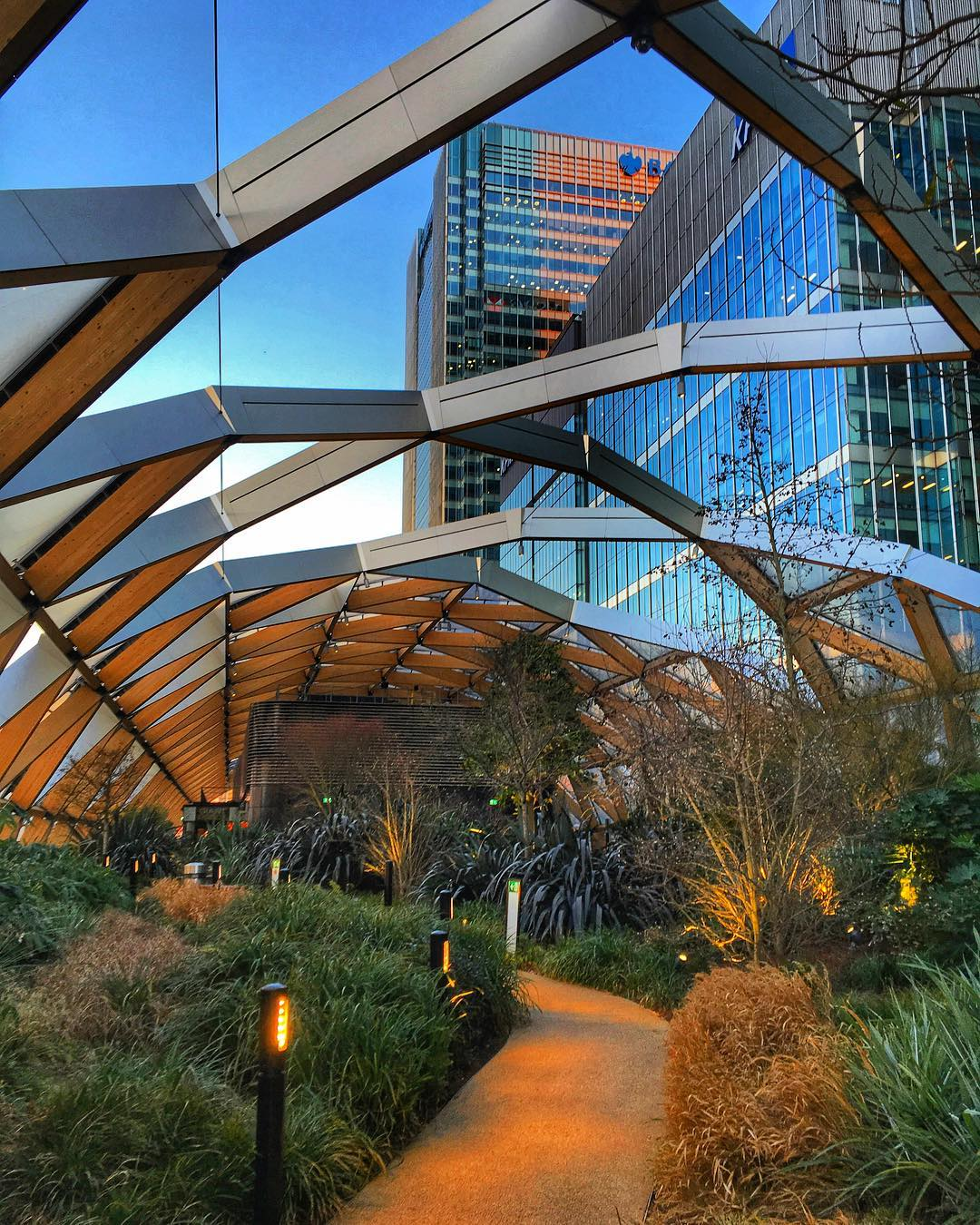 Crossrail Place Roof Garden: Peaceful Park With A Street Food Hall