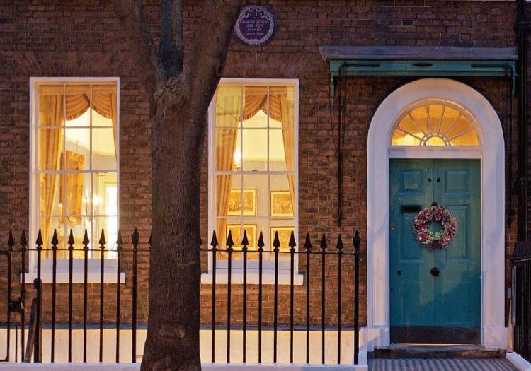 Our Charles Dickens Tour Of London Will Give You Great Expectations