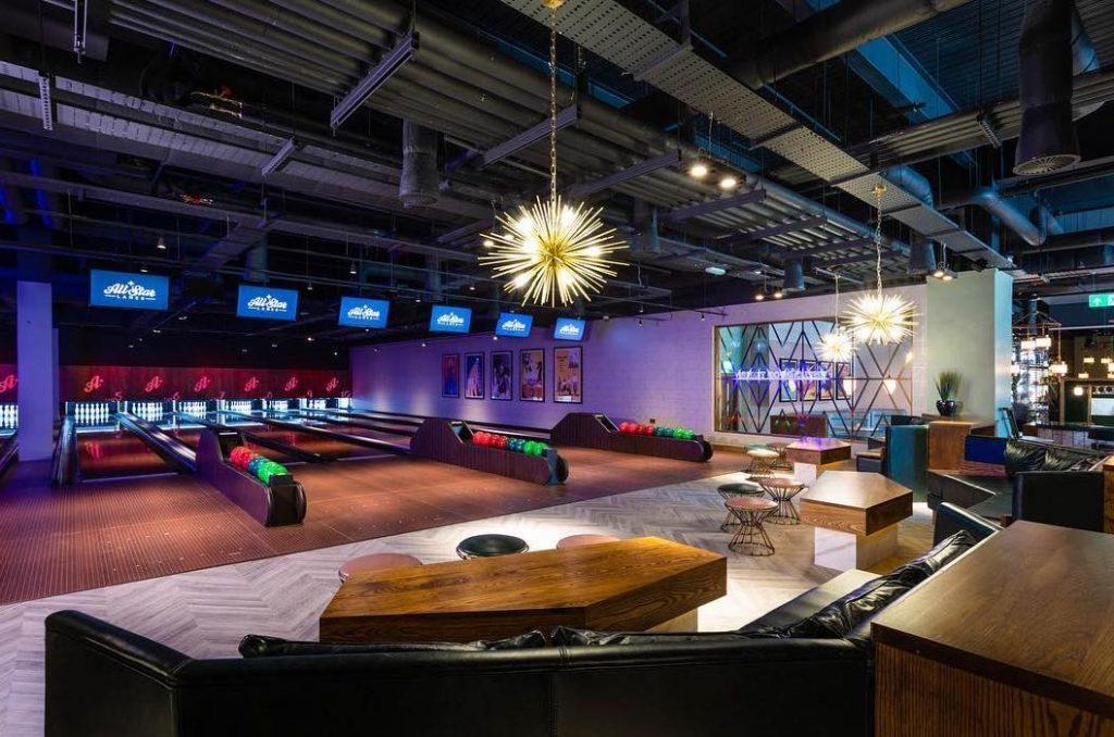 Bowling London All Star Lanes