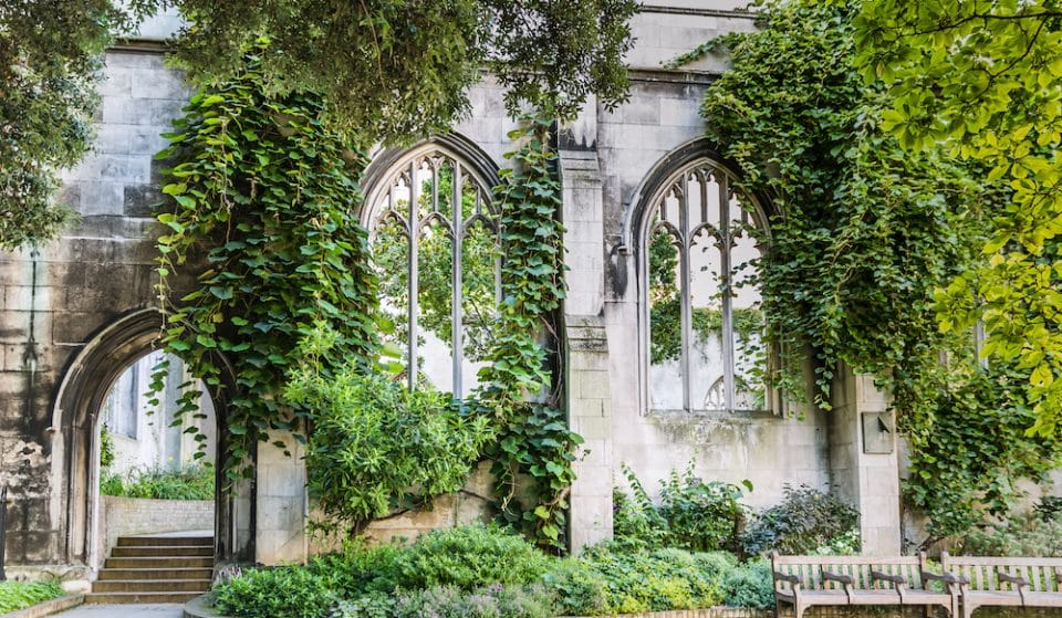 The Ruined Church That's Now A Beautiful City Park • St. Dunstan in the East