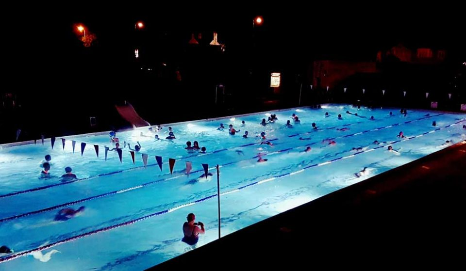 The Hottest Outdoor Pool In London Offers Moonlit Midnight Swims • Hampton Pool
