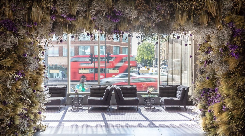 art-bloom-floral-installation