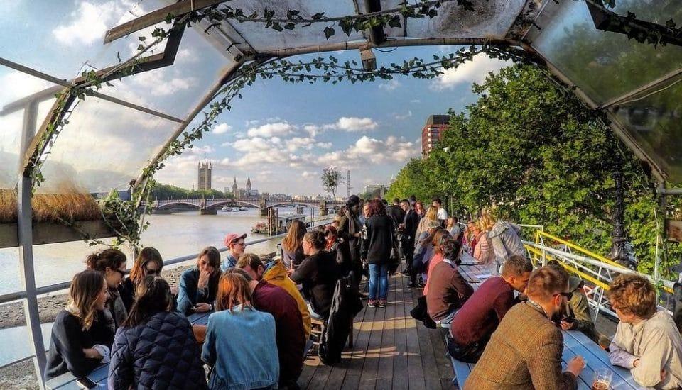 This Floating Pub On The Thames Boasts Wonderful Riverside Views • Tamesis Dock