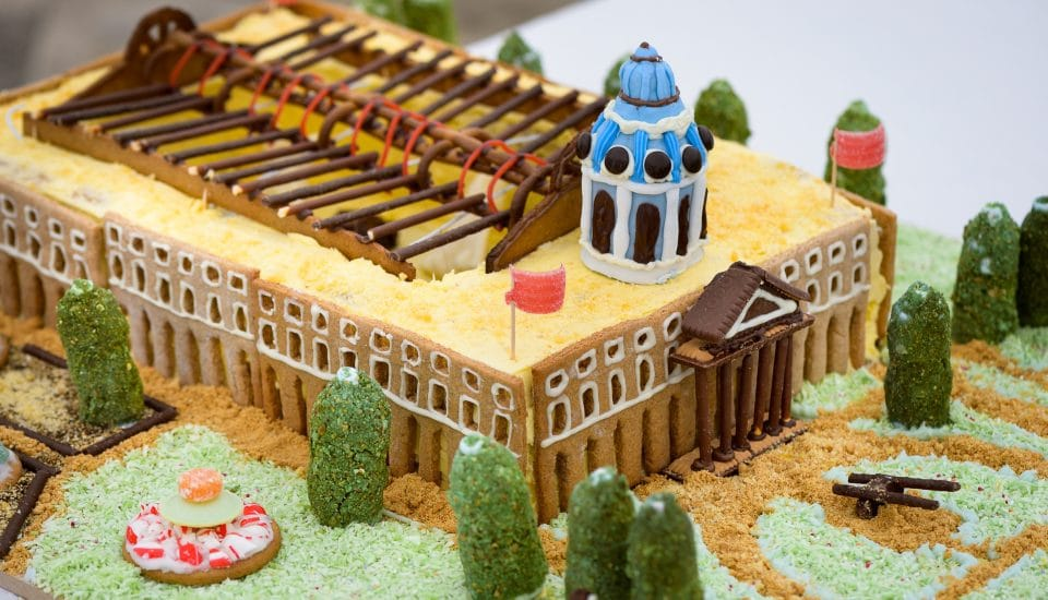 Just 14 Pictures Of Famous London Buildings Made Out Of Cake