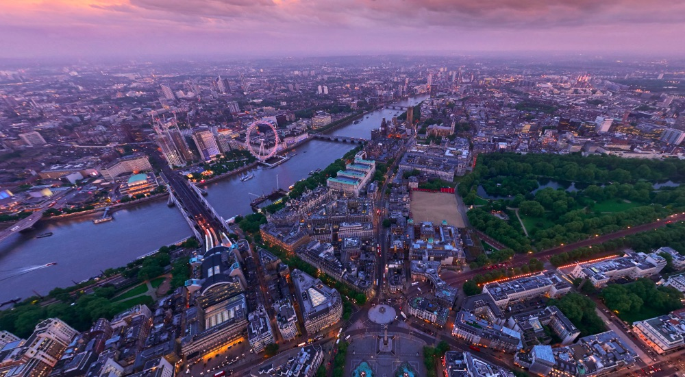 Fly Over London With This Gorgeous Interactive Gizmo